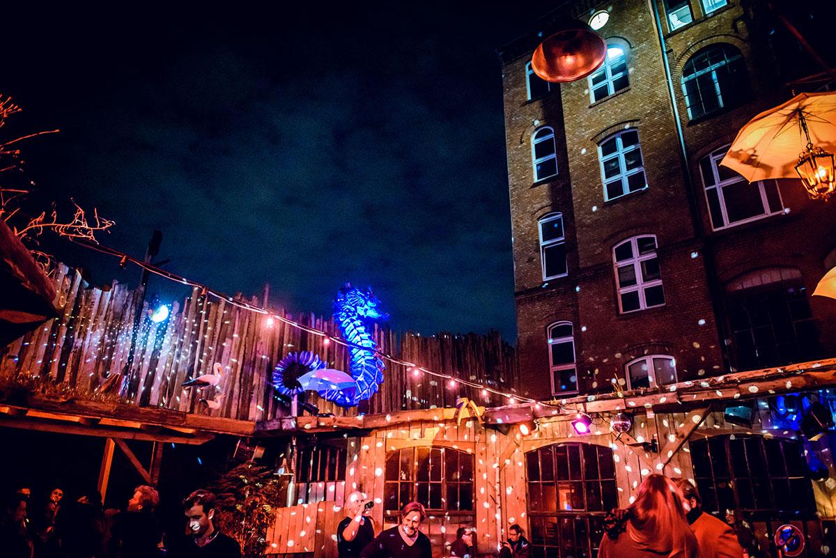 Mahan Esfahani bei der Yellow Lounge im Ritter Butzke in Berlin am 14.04.2015 DJs: Cle & dr atmo (brillianttree music) VJ: Pierce Warnecke Foto: Stefan Hoederath, +491717475347, Prenzlauer Allee 193, 10405 Berlin, Verwendung honorarpflichtig.